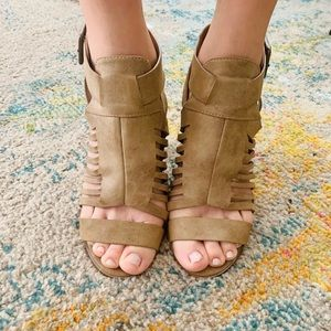 Shoes - Brown Chunky Heels
